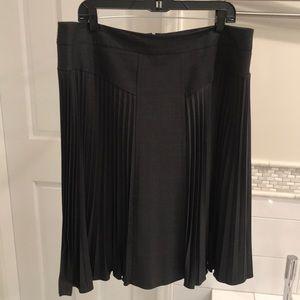 EUC Magaschoni Charcoal Gray Gladiator Skirt Sz 14